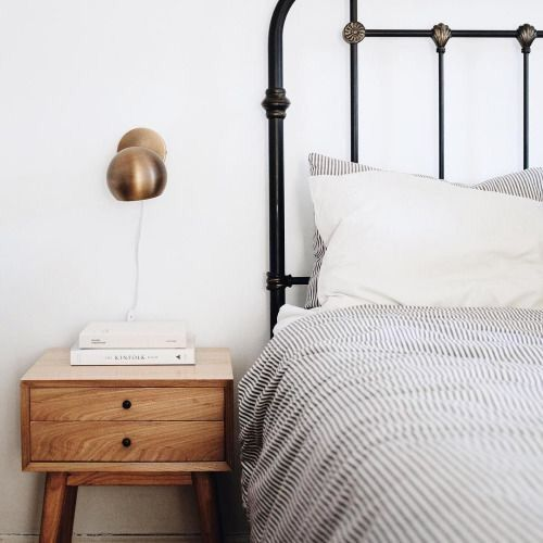 metal bed 1