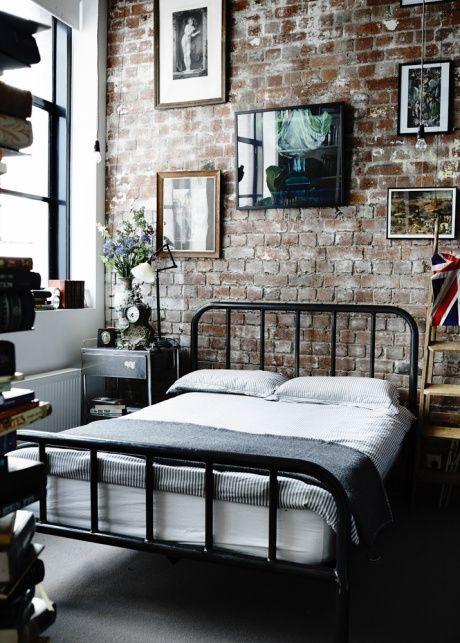 metal bed 3
